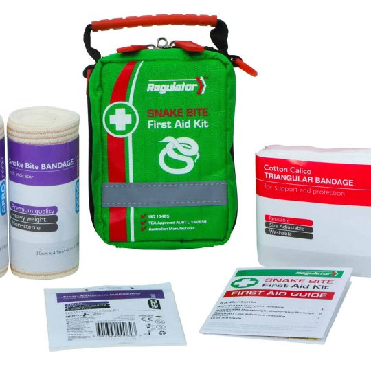 Snake Bite First Aid Kit. This compact kit is perfect for Emergency Rescue situations, the softpack bag can be attached to a belt. ISO 13485